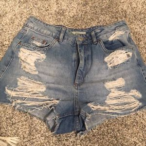TOPSHOP high waisted mom distressed shorts